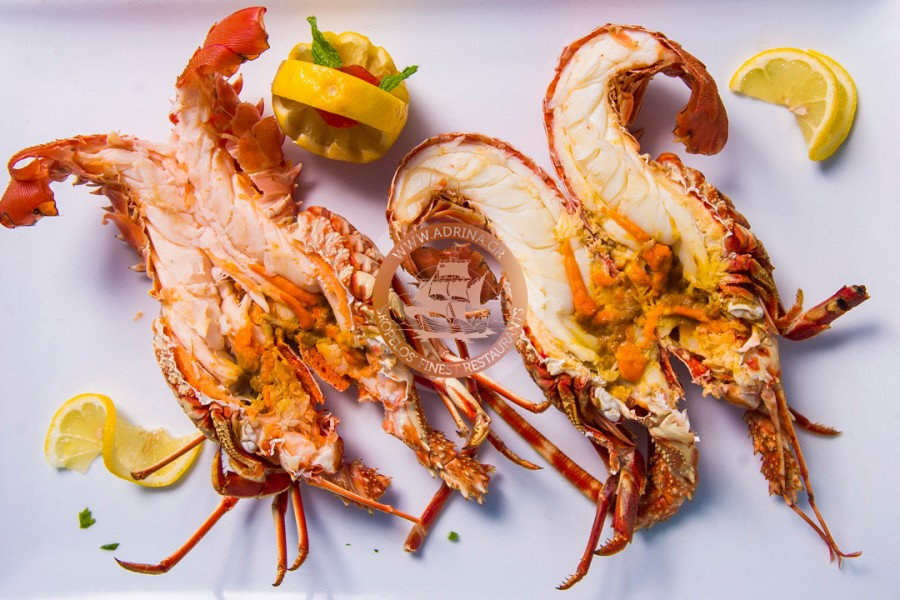 Grilled lobster with butter